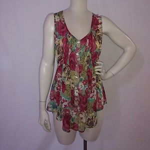 Flowy floral sleeveless tunic blouse